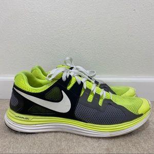 Nike mens Lunarlon sneaker green and gray